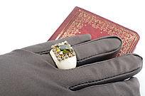 手套书籍复古戒指