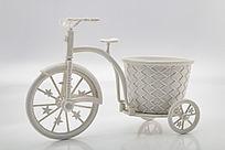 白色带花篮小单车装饰品