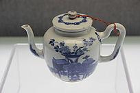 青花博古图茶壶