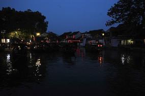 西塘古镇河畔灯光