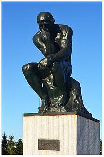 罗丹思想者人物雕塑