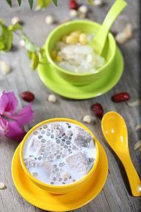 椰奶香芋西米露糖水甜品
