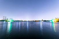 大明湖灯光倒影