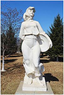 闽南女性人物雕塑