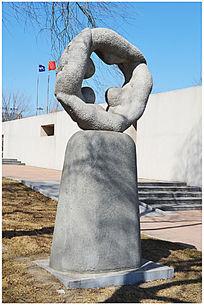 团结友爱大理石雕塑