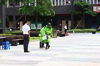 消防演习之铺设消防水管