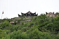 山顶的建筑-山川自然风景