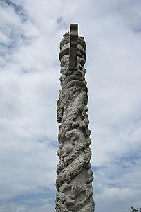 石雕龙盘柱柱身龙雕侧面