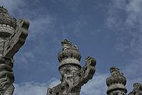 石雕龙盘柱柱头石狮子