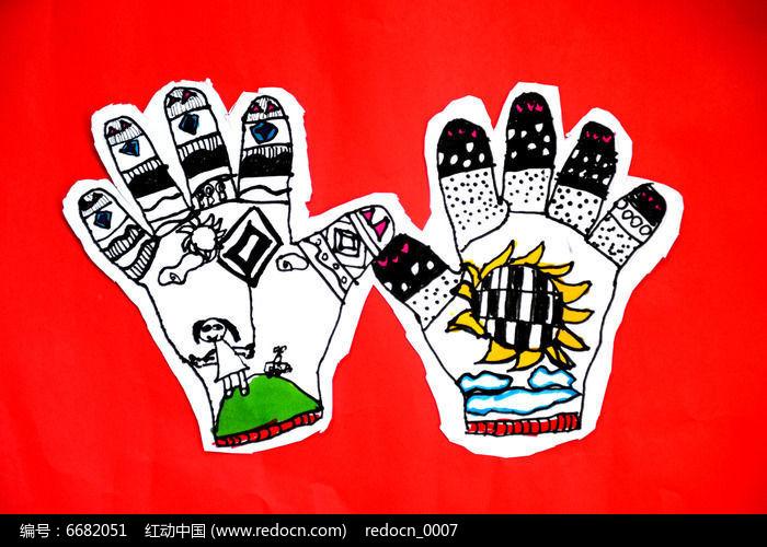 手套彩绘儿童画