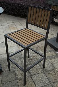 条纹木制餐椅