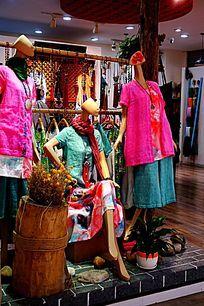 传统民俗服装店
