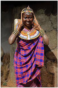 非洲女人塑像