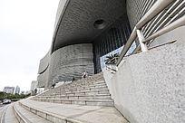 湖北省图书馆大门