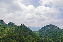 千山山峰山脉与滚滚云彩
