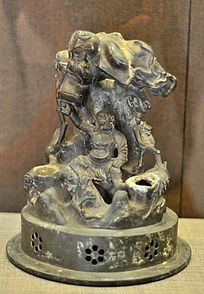 清代铜降龙罗汉像