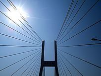 上海南浦大桥主梁顶部