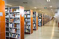 图书馆的藏书