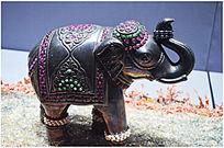 镶宝石大象展品