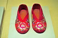 雕花刺绣新娘布鞋
