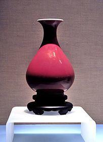 霁红釉玉壶春瓶