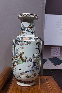 古代人物彩绘棒槌瓶