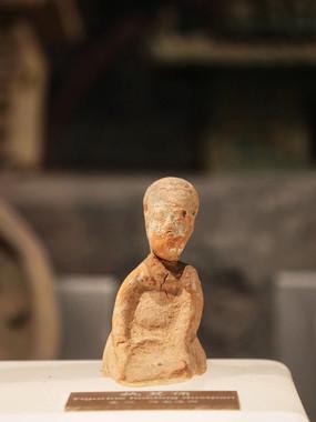 汉朝陶俑图片