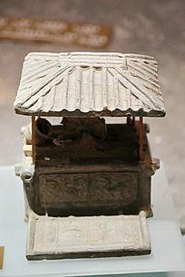汉代绿釉灰陶井