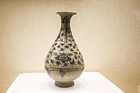 明云南窑青花花卉纹的玉壶春瓶