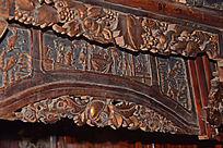 顶子床上的花纹装饰-木雕艺术