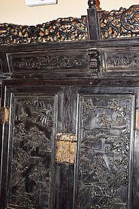 古典木雕装饰衣柜-木雕艺术