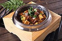 石锅麻婆豆腐烧牛腩