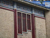 中山纪念堂三排镂空花纹窗口
