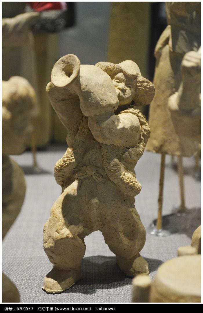 吹喇叭人物雕塑图片