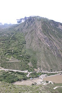 丹巴梭坡风山峰山脉