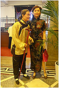 母女俩人物雕塑