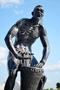 青年鼓手雕塑