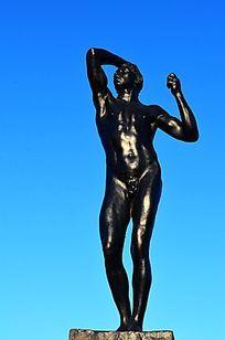 青铜时代人物雕塑