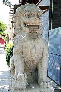 传统狮子石雕像