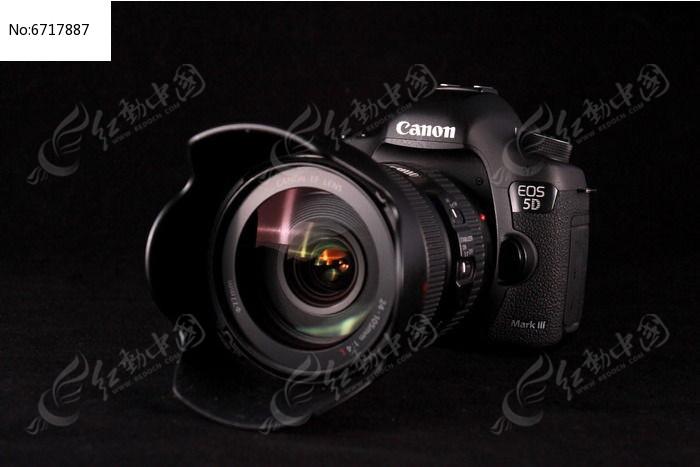 原创摄影图 生活百科 数码产品 佳能5d3数码照相机纯