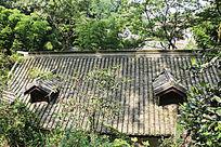 老房子屋顶