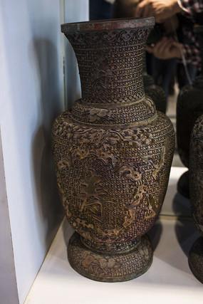 福寿纹短颈瓶