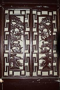 鸳鸯戏水雕刻-木雕艺术