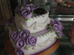 爱心玫瑰生日蛋糕