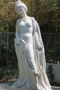 古代四大美女杨玉环裸雕像