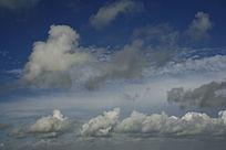 蓝天白云飘飘