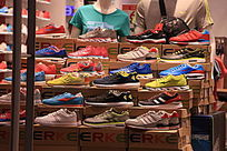 跑步鞋货架