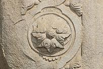 圆明园建筑残件雕刻图案特写