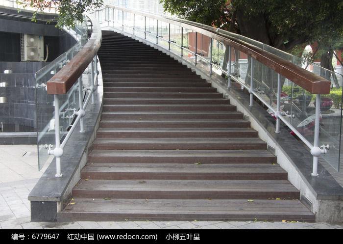 观光木板楼梯