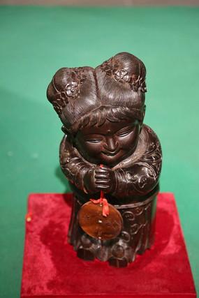 木雕金童玉女雕像